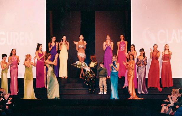 Clara Ibarguren - 2000 - Mega desfile Fashion Show